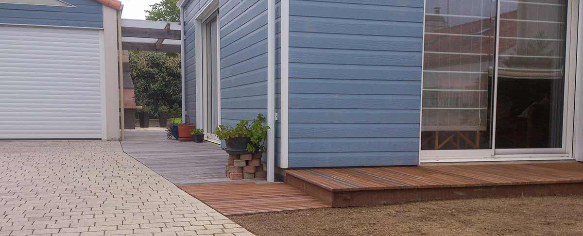 cote-et-jardins-paysagiste-pornic-amenagement-entree-de-garage-terrasse-bois