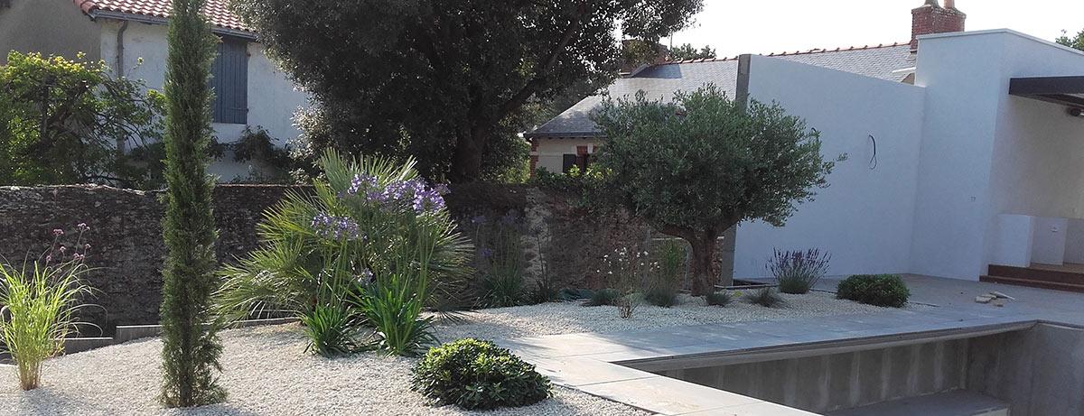 cote-et-jardins-paysagiste-pornic-amenagement-paysager-contour-piscine