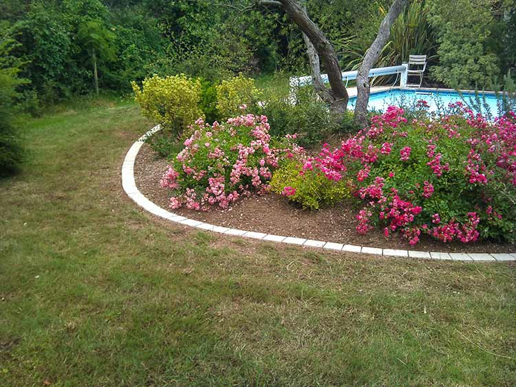 cote-et-jardins-paysagiste-pornic-massif-fleuris-roses