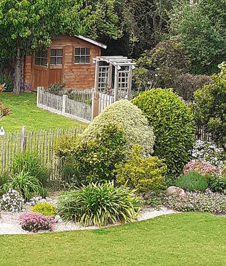 cote-et-jardins-paysagiste-jardinier-pornic-espace-potager-integre-dans-le-jardin