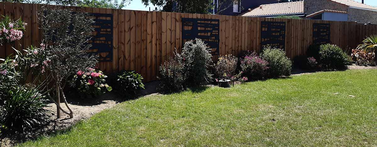 cote-et-jardins-paysagiste-pornic-cloture-bois-panneaux